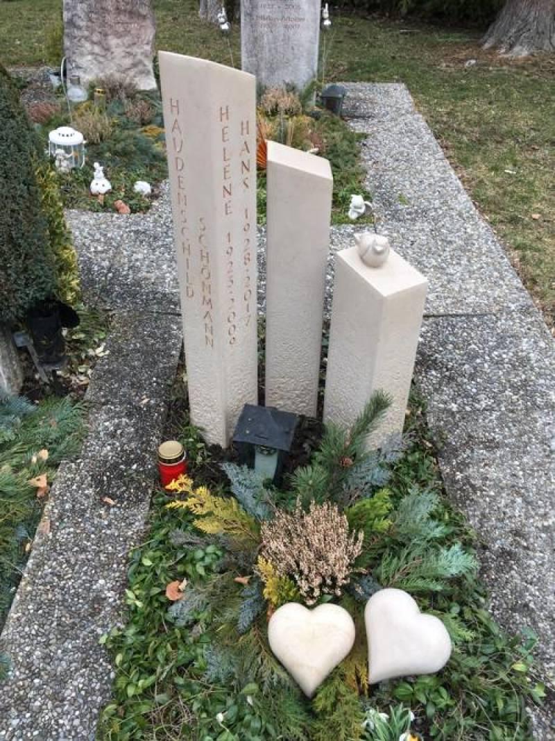 3-teiliger Gedenkstein in Comblanchien